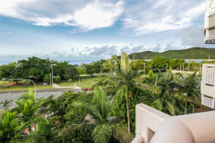 Views overlooking Cairns and out to the Coral Sea - Cairns North Shore Towers Private Apartment