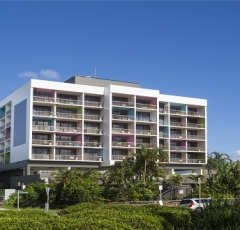 Cairns Esplanade Holiday Apartments - Cairns Plaza Hotel