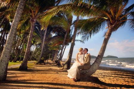 Cairns & Port Douglas Tropical Beach Weddings