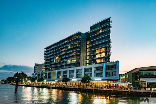Cairns Private Apartment within Harbour Lights Complex | Cairns Waterfront Accommodation