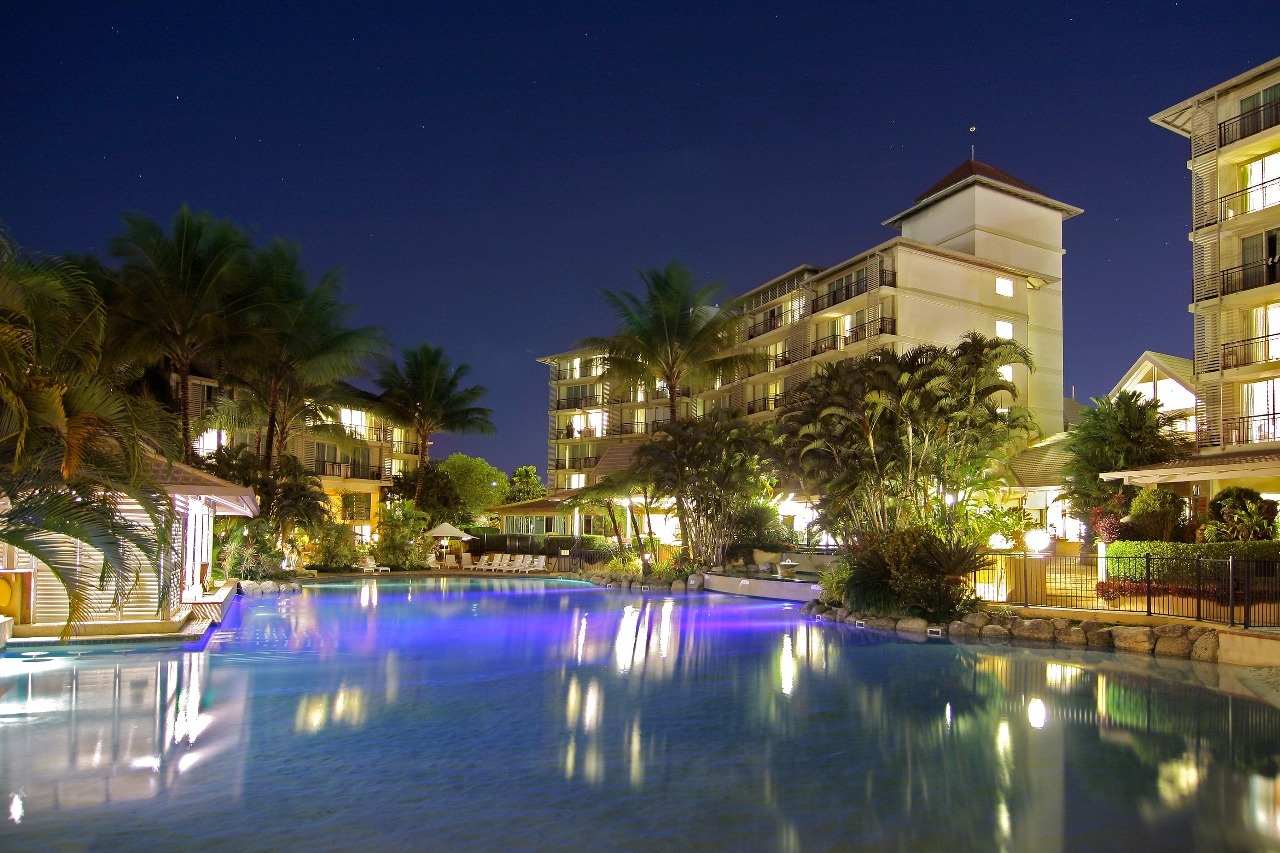 Cairns accommodation cairns packages cairns hotels for Hotel hotel hotel