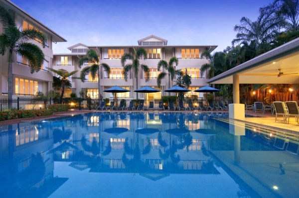 Cayman Villas Luxury Accommodation - Port Douglas Apartments