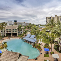 Central Cairns City Oasis Resort with Large Lagoon Swimming Pool | Great Family Resort Accommodation