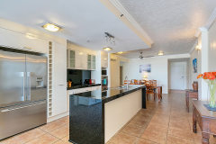 Centre Point Apartments Cairns - Fully Self Contained Kitchen facilities