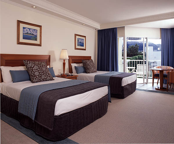 City or Mountain View Room - Pullman Cairns International Hotel