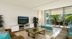 Condominium Lounge with Ocean Views over Palm Cove - Drift Private Apartments