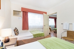 Connecting Family Rooms - Cairns Queens Court Hotel