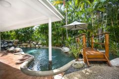 Coral Apartments Port Douglas Swimming Pool