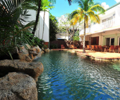Coral Tree Inn Carins Swimming Pool
