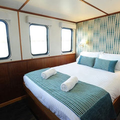 Couples accommodation on luxury Cod Hole dive tour
