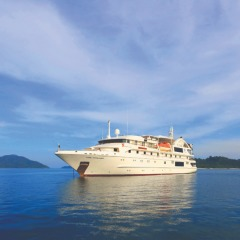 Cruises Great Barrier Reef - Luxury Small Ship Expedition Cruises Cairns