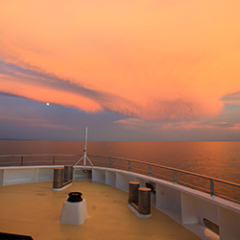 Cruises Great Barrier Reef - View of Sunset from Bowa