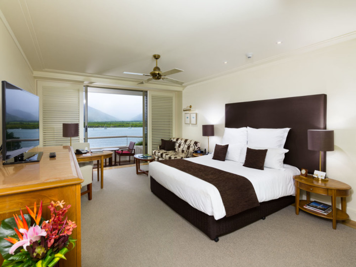 Deluxe Water View - Pullman Reef Hotel Casino Cairns (King Bed or 2 King Single Beds with Water Views)