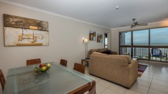 Cairns accommodation - Deluxe Apartments - Cairns Holiday Apartments