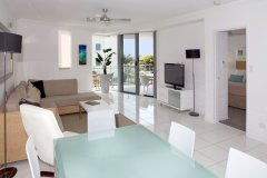 Deluxe 1 & 2 Bedroom Apartments Open plan living areas - Cairns Esplanade Holiday Apartments - Vision Cairns