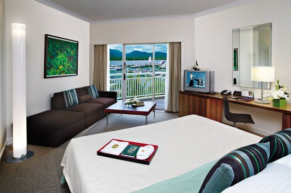 Deluxe Marina Room - ShangriLa Cairns Luxury Hotel Accommodation