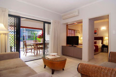 Deluxe 1 or 2 Bedroom Apartment at Southern Cross Atrium Apartments