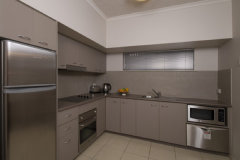 Deluxe 1 or 2 Bedroom Apartment with Full Kitchen facilities and private laundry facilities