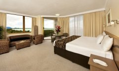 Deluxe Room with Ocean Views - Pacific Hotel Cairns- Pacific Hotel Cairns