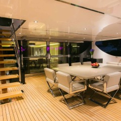 Dine alfresco | Superyacht Charter Port Douglas