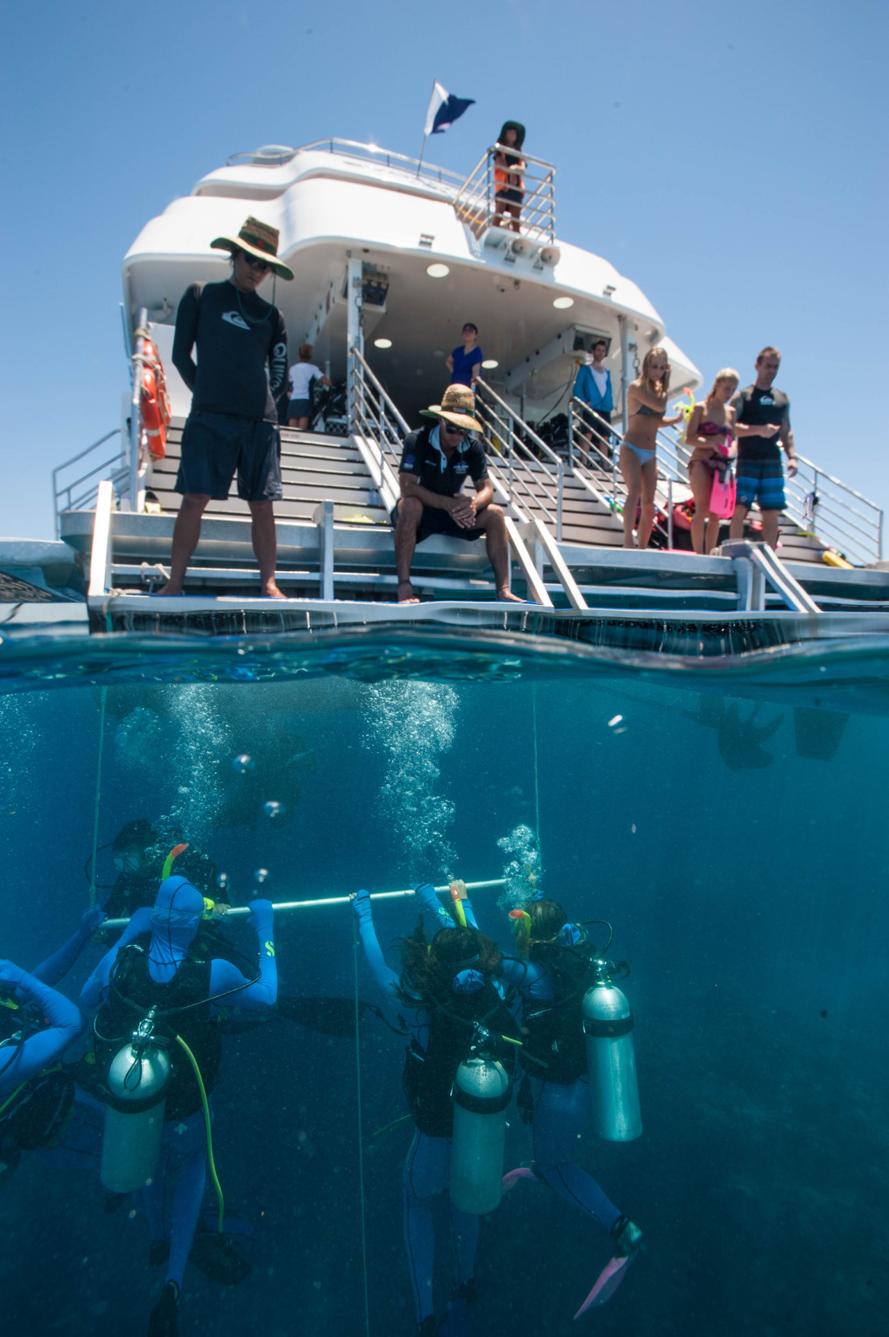 Helicopter Flight Cairns -Great Barrier Reef Tour Package Deal | Naut