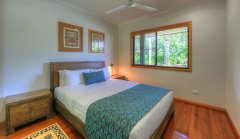 Double Bedroom - Mission Beach Holiday House