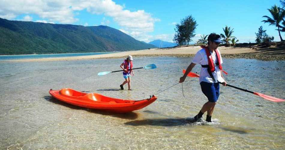 great barrier reef tour sea kayaking tour palm cove