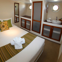 Ensuite Queen cabin | Private Charter Boat | Great Barrier Reef