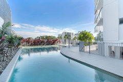 Enjoy a refreshing dip in the Swimming Pool - Centrepoint Apartments Cairns