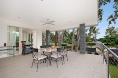 Enjoy ocean glimpes from upstairs - Argentea Holiday House Palm Cove