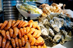 Enjoy Seafood Buffet at Coco's Restaurant - Pullman Cairns International Hotel