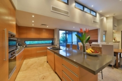 Enjoy the open plan kitchen and luxurious living in your private Holiday Home in the heart of Port Douglas