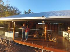 Enjoy the privacy of your own luxury Retreat with panoramic views - Gilberton Outback Retreat