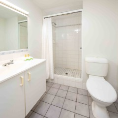Ensuite Bathroom | Premium room | Centrally located Cairns hotel
