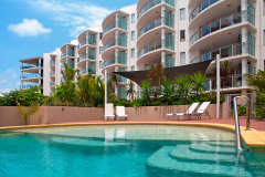 Esplanade facing Swimming Pools - Cairns Esplanade Holiday Apartments - Vision Cairns