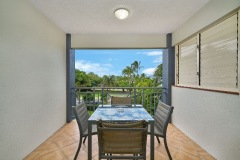 Esplanade facing self contained apartments Cairns