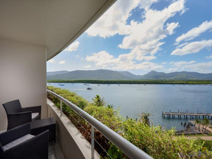 Executive King Room - Hilton Hotel Cairns