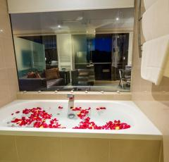 Executive Spa Suite - Hilton Hotel Cairns