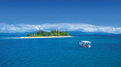 Family 7 Night Cairns Beaches Package Deal - Snorkelling  on the Great Barrier Reef