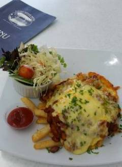 Fantastic Food And Great Prices At The Courthouse Hotel Port Douglas