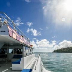 Fitzroy Island Ferry - Great Barrier Reef Tour