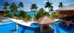 Fitzroy Island Resort Swimming Pool with Spa & Swim Up Bar | Cairns Island Resorts