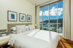 Five Star Hotel Accommodation With Views On The Cairns Marina