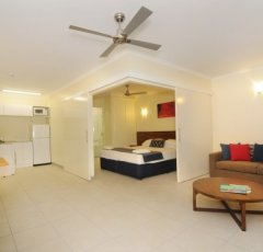 Cairns Accommodation Deluxe 2 Bedroom Dual Key Apartment (Frangipani)