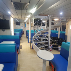 Frankland Island Boat - Comfortable, Modern & Spacious Interior