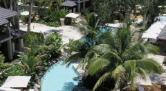 The Lagoon Swimming Pool & Spa within the Sea Temple Resort complex Palm Cove Private Holiday Apartments