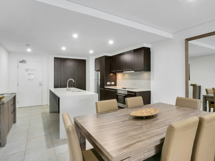 Full kitchen facilities in all apartments, penthouses and swim out apartments | Sea Temple Port Douglas Private Apartments