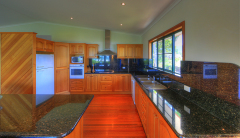 Fully self contained kitchen facilities - Mission Beach Holiday House