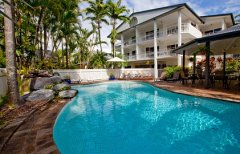 Garrick House Holiday Apartment Tropical Swimming Pool