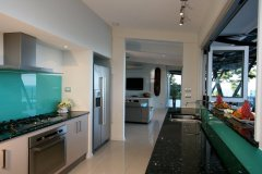 Gourmet Kitchen complete with high quality appliances and crockery - Mission Beach Luxury Accommodation